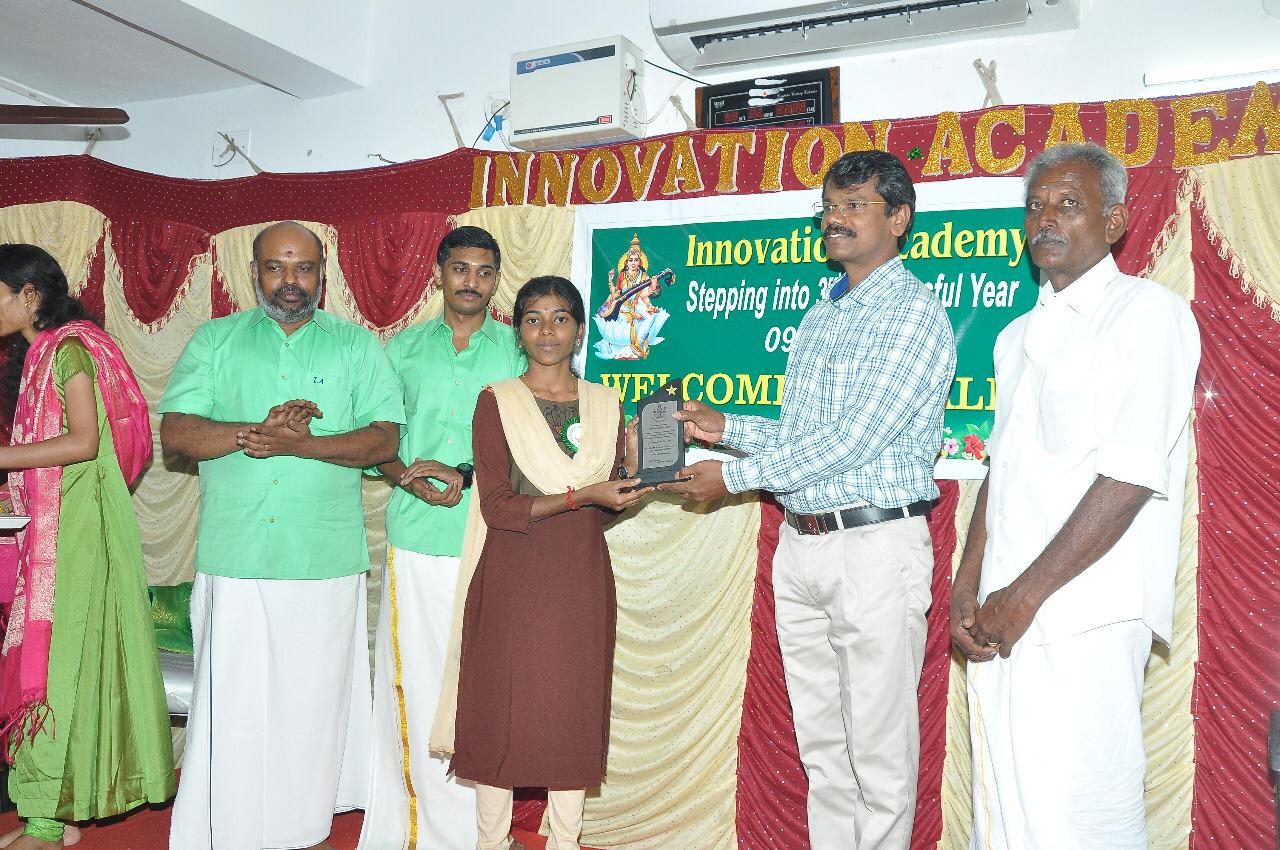 Price distribution banner on 3rd year completion of Innovation academy